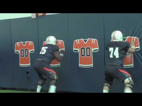 Auburn offensive line gets punchy at preseason practice
