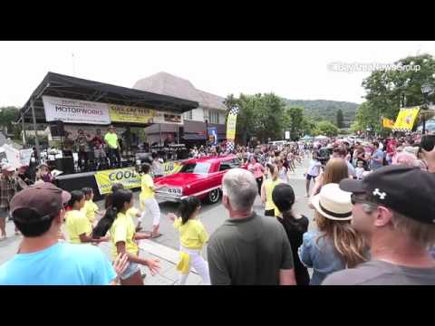 Mob dance, Saratoga Classic Car Show (video)