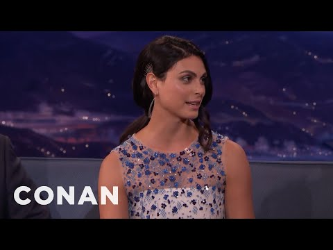 """Morena Baccarin Was In The """"It's Always Sunny In Philadelphia"""" Pilot   CONAN on TBS"""