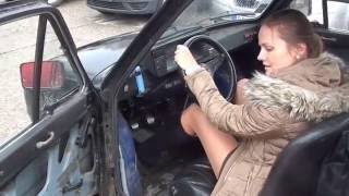 Repeat youtube video Cranking Fiat 126 - Hard Pedal Pumping and Backfiring