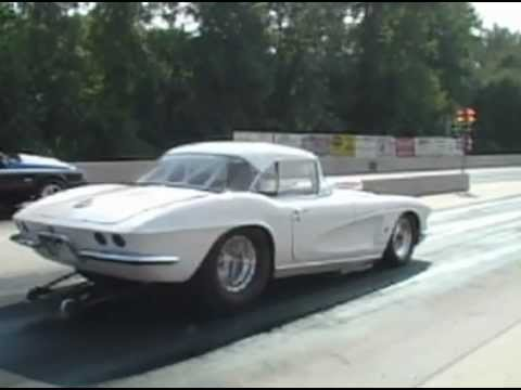 25 Photos To Remind You Of The Glory Days Of Drag Racing ...  Corvette Modified Production Drag Cars