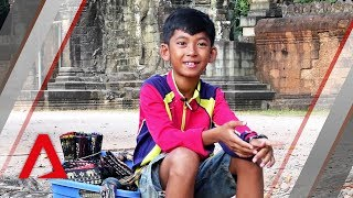 The 16 languages this Cambodian boy can count in
