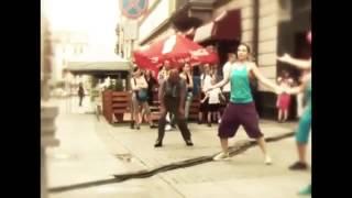 Kızlarla Dans Eden Sarhoş Dayıdan Muhteşem Dans