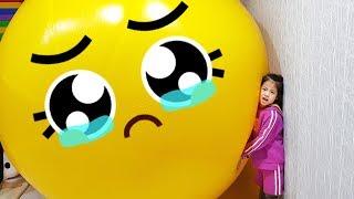 노랑 풍선 더 불어볼까요?!! 서은이의 대형 노랑풍선 놀이 타요 스쿨버스 색깔공부 How to Play with Giant Balloon