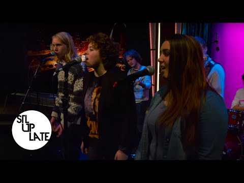 School of Rock covers Radiohead's