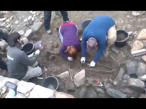 Exhuman los restos de 'Atilano' en el castro de San Lourenzo, en Cereixa