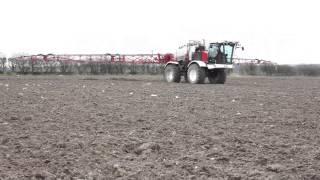Knight 2050 Self Propelled Sprayer applying Omex Fertiliser