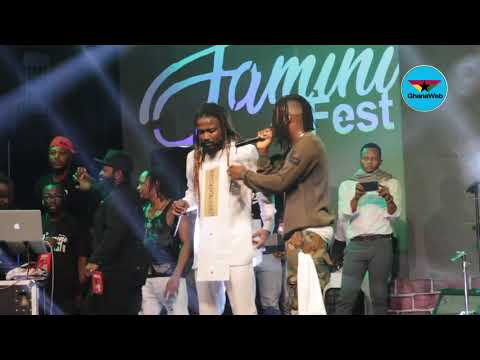 Stonebwoy and Samini in a rap battle at Saminifest 2018