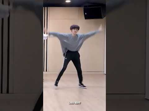 TXT (투모로우바이투게더) '(CROWN)' Dance practice mirror Vertical video YEONJUN Focus 연준 직캠 ´CROWN´ 안무 거울모드