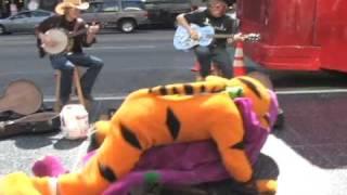 Hollwood Hell: Barney fights Tigger