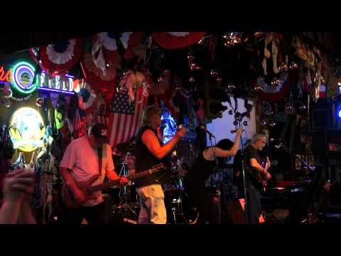 the Woodies Band Covering The Waitress By The Freddie Jones Band