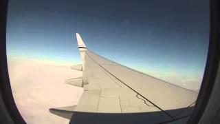 Alaska Airlines Boeing 737-800 landing in Portland, Oregon