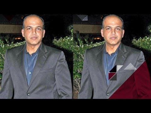 OMG ! Ashutosh Gowariker Blamed For Not Paying VFX Fees | Bollywood News