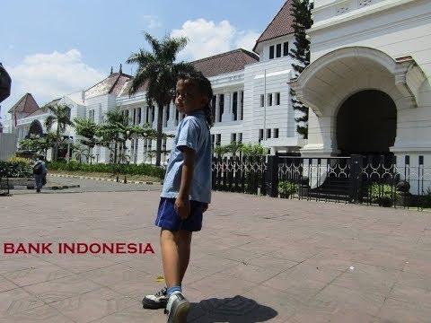 Pulang Sekolah - Kenz Main ke Bank Indonesia & Kantor Pos