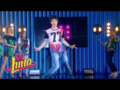 Ramiro y los chicos cantan I'd Be Crazy (español) | Momento Musical (con letra) | Soy Luna