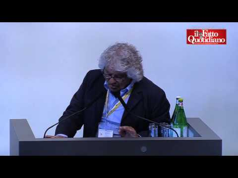 """Eni, Grillo in assemblea: """"Eni ha dato vita a un sistema corruttivo"""" e la Marcegaglia lo riprende"""
