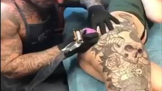 Wanita Ini Rela Seluruh Tubuhnya Di Tato