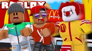 WE'RE RUNNING FROM THE PASSIONATE CLOWN FROM MCDONALD'S! -Roblox/W MarkoKC