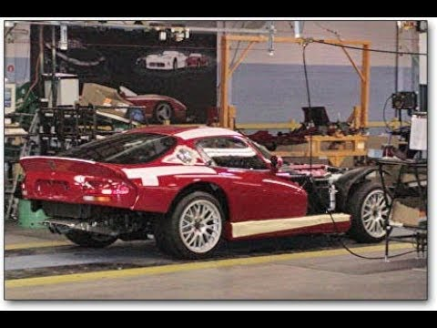 Dodge Viper inspecting for factory paint (Gen 2) 1996-2002