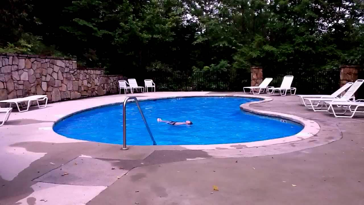 Lilu0027 Bit Of Heaven Pool Cobbly Nob Resort Gatlinburg, TN