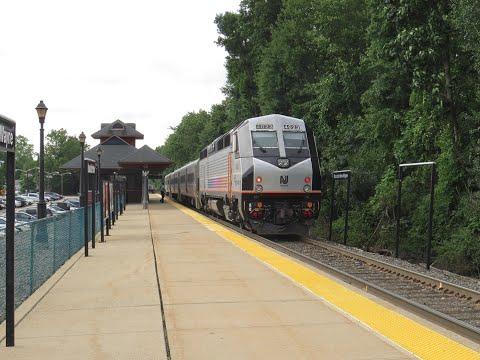 New Jersey Transit 1074 at Mountain View