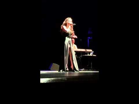 ARAW GABI - Sheryn Regis Live