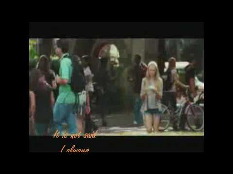 Little house  (Amanda Seyfried) with lyrics