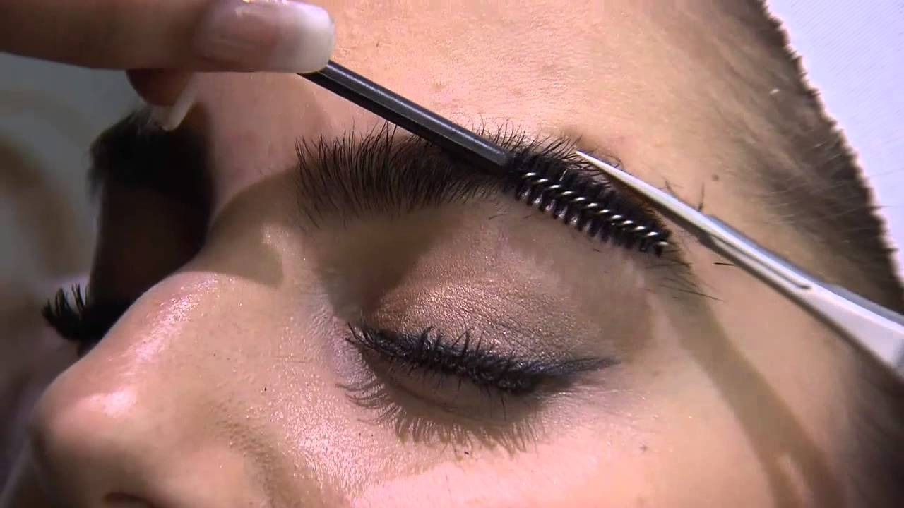 16891101e26 A sneak peek at Caryl Baker Visage's latest products - YouTube