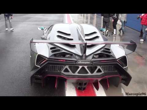 Así sí. Incluso bajo el aguacero, este Lamborghini Veneno saca a pasear sus 750 CV en circuito