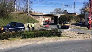 Prise d'otages: les gendarmes bloquent l'accès à Trèbes (2)