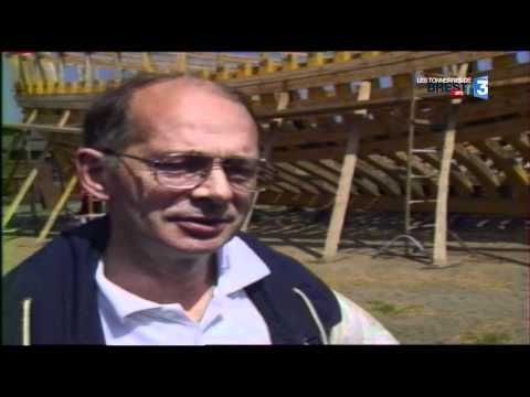 Les Tonnerres De Brest 2012 : 1990 : Un Bateau Traditionnel Par Port Pour Brest 92