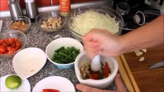 Салат из зеленой папайи (Som Tam)