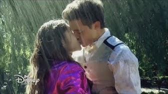 Soy Luna - Season 3 Episode 55 - Luna and Matteo kiss in the rain (English)