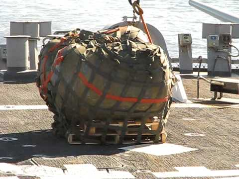 Flight Quarters Vertrep USS Laboon (DDG 58) 2007