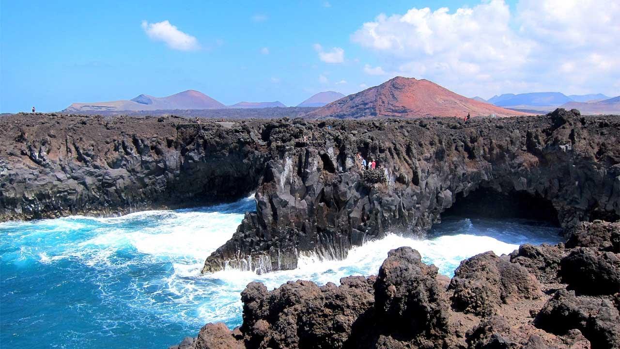 El Golfo & Los Hervideros, Lanzarote - YouTube