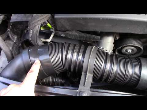 easy engine air filter change mercedes c class w203 2 doovi. Black Bedroom Furniture Sets. Home Design Ideas