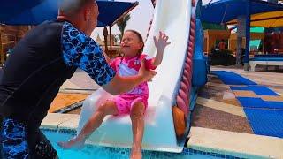 Album cu Melissa la Piscina   Kids in Pool Compilation