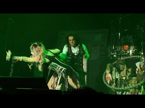 Alice Cooper - Only Woman Bleed (Live @013 Tilburg 04.12.2017)
