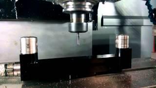 Лазерное измерение инструмента. Станок Hurco VMX42i. Видео(Изготовлено компанией Актавис http://www.aktavis.com.ua, stanpostach.com.ua. Проверка длины и диаметра фрезы станка Hurco VMX42i..., 2015-02-09T13:30:26.000Z)