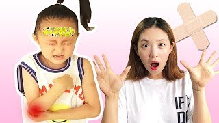 the boo boo song | Kids song & Nursery rhymes | Fantastic family pretend play 과일 먹기와 영어 공부