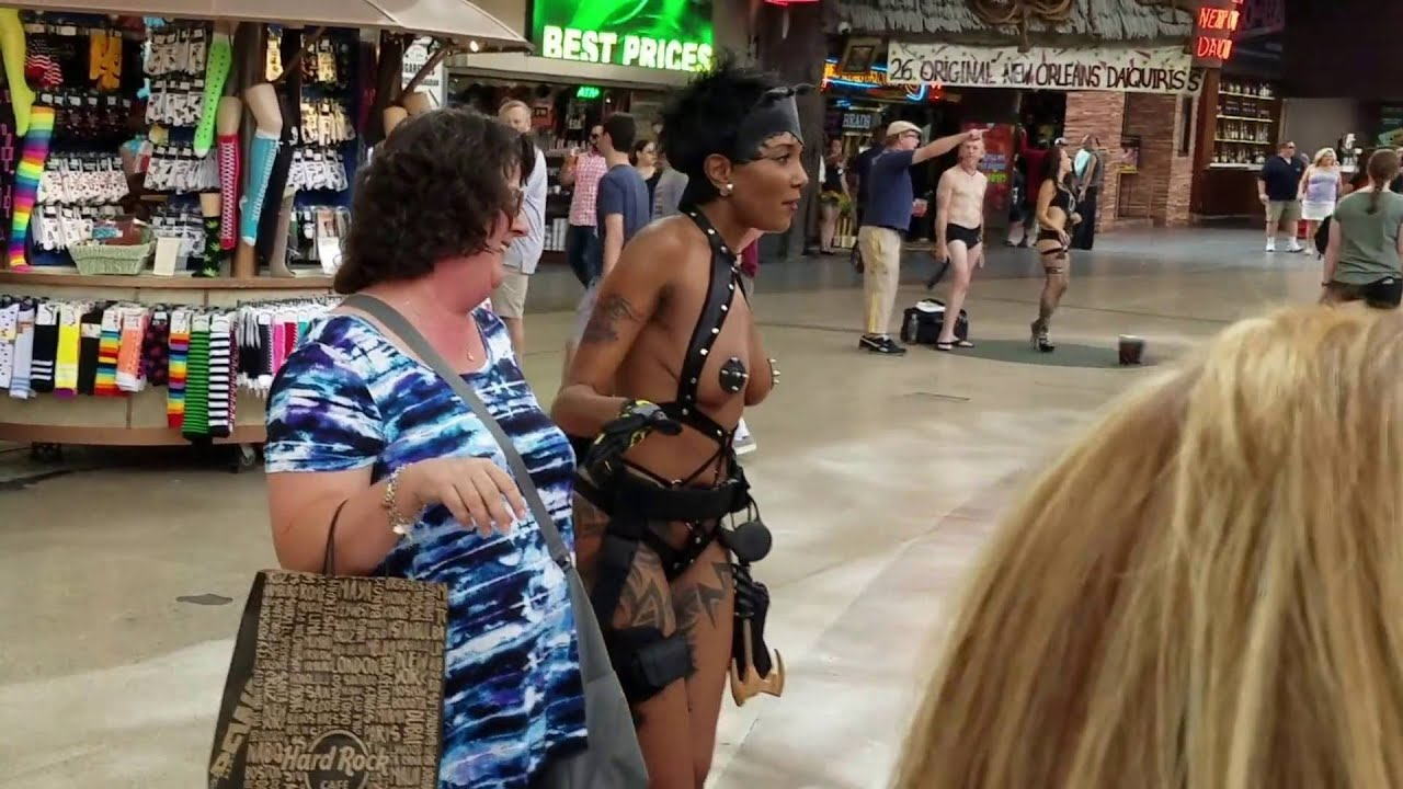 Nude women of vegas