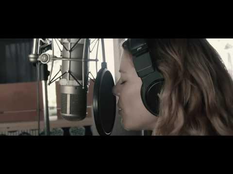 Debi Nova - No Nos Sobran Los Domingos (Single Trailer)