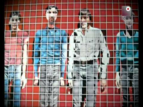 Talking Heads: David Byrne inquietante in