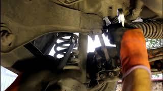 Замена сайлентблоков задней короткой поперечной тяги KIA Sportage 2,0 Киа Спортейдж 2012 года