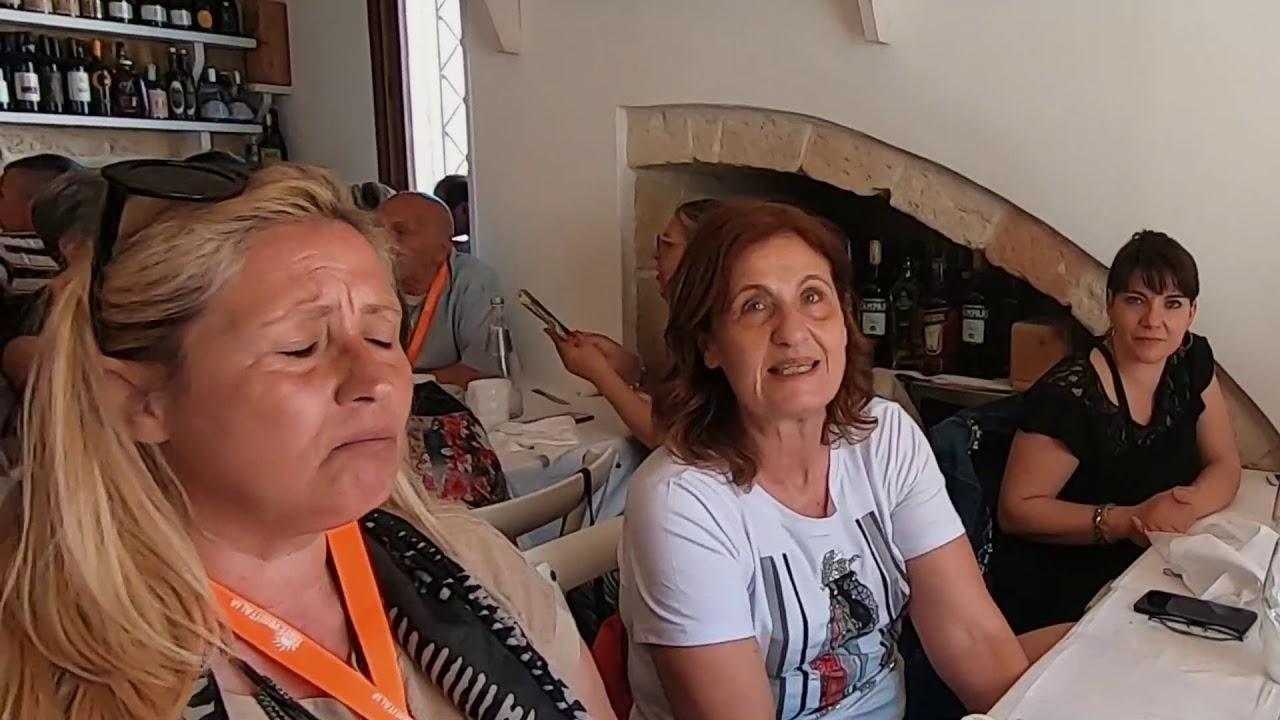 Escursione di Polignano a Mare e Alberobello