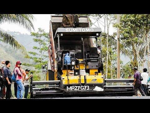Cool!! Asphalt Paving Machine Working On Hill Sumitomo HA60C
