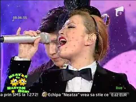 Elena Gheorghe - Feliz Navidad (Live @ Antena 1)