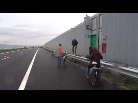 Fietsen op de nieuwe A4 Delft Schiedam 20151212