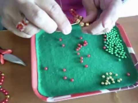 Adornos de Navidad en perlas. Azucena Osilia