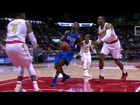 Harrison Barnes Slams Down The HUGE Dunk! | 03.01.17